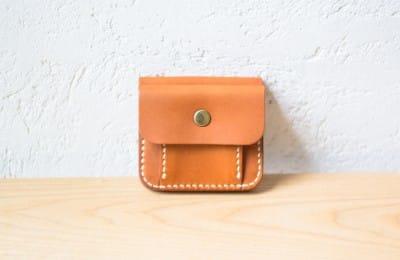 小銭入れ付の二つ折り革財布