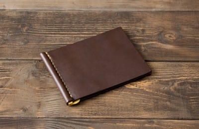 カードポケット付き革製マネークリップ