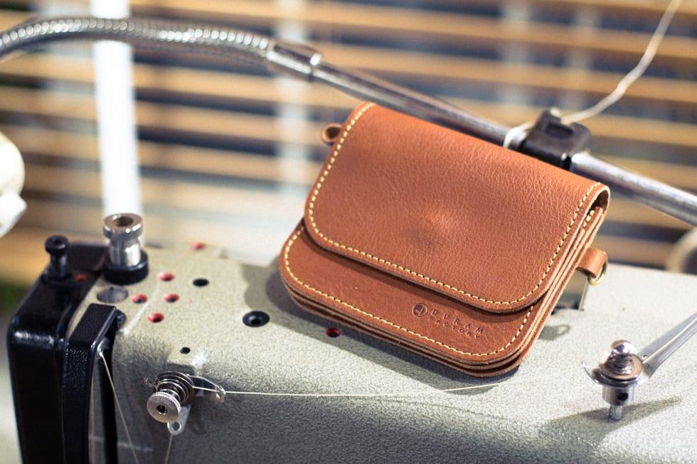 コンパクトな革財布