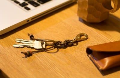 真鍮無垢のリングキーホルダー