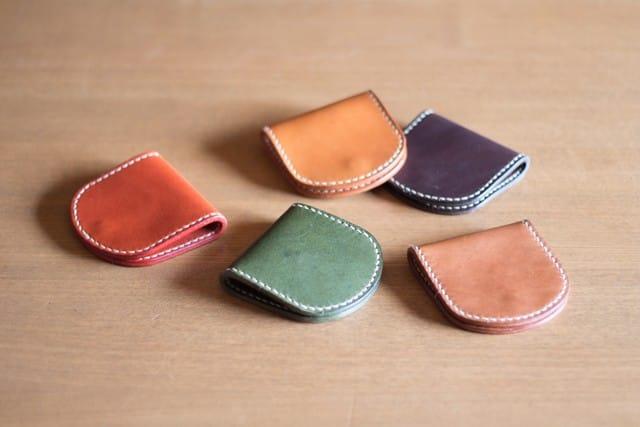 コバが綺麗な手縫いのコインケース