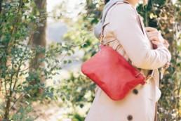 革のサコッシュ(Red×Natural)