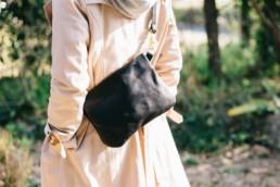 革のサコッシュ(Black×Black)